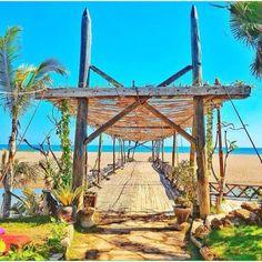 Unique Restaurants in Bali - La Laguna 2